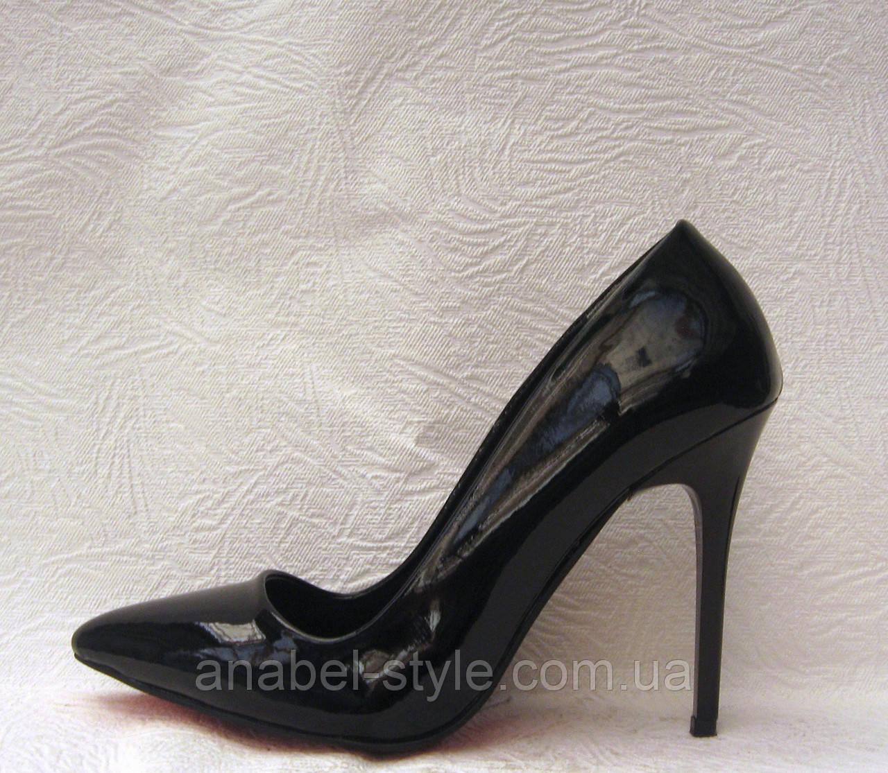 Туфли лодочки женские стильные лаковые черные на шпильке