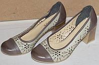 Туфли на каблуке с перфорацией