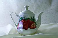 Чайник большой Клубника, керамика