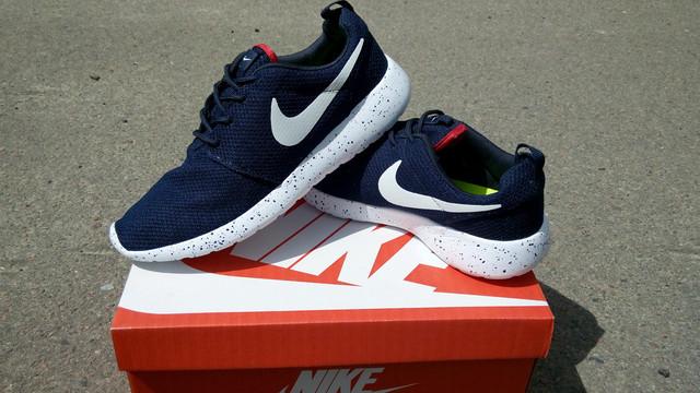 dc9f30e3980f Стильные мужские кроссовки Nike Roshe Run темно-синие. Качественные  кроссовки. Интернет магазин.