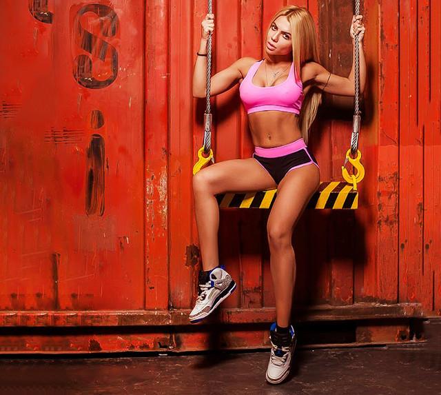 Basic Pink костюм для фитнеса