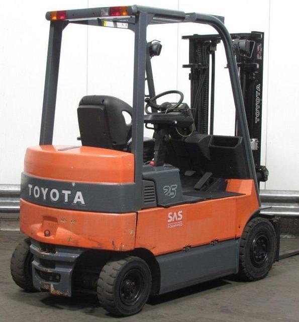 Электропогрузчик Toyota 2,5 т