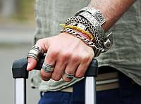 Неформальные украшения: почему это так популярно и как правильно их совмещать?