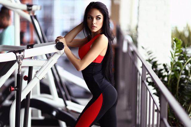 Basic Red удлиненный топ для фитнеса