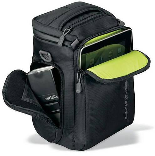 Крутой чехол для фотокамеры с плечевым ремнем Dakine UPLOAD 8L Black 610934726756 черный