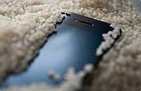 Телефон утонул, что делать? Выход есть - об этом коротко и много другом в нашей статье!