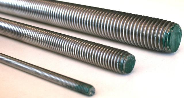 Шпильки резьбовые из нержавеющих сталей А2 DIN 975 | Фотографии принадлежат предприятию Крепсила