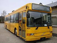 Лобовое стекло Volvo B 10 M две половинки