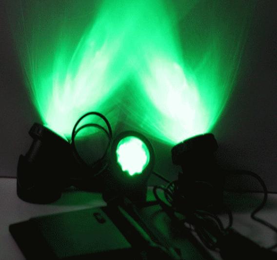 зеленая подсветка воды