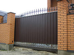 Решетки на окна, Распашные, Откатные ворота, изготовление и установка в Киеве и Киевской области