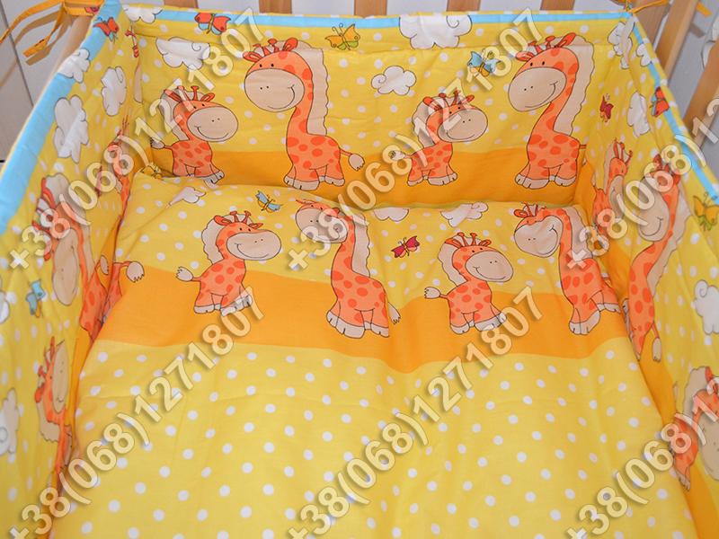 Бортики в детскую кроватку защита бампер Жираф желтый