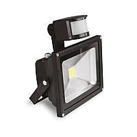 Светодиодный прожектор EUROELECTRIC LED с датчиком движения 30W 6500K