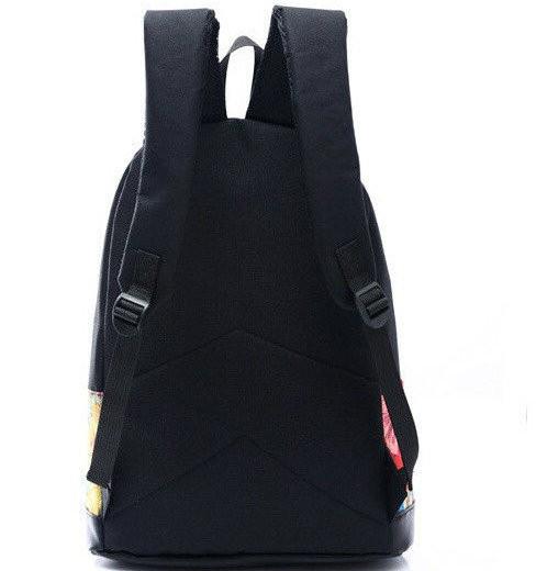Черный рюкзак с рисунком на кармане