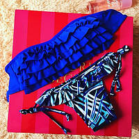Женский яркий синий купальник с узорами