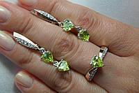 Комплект женских серебряных украшений - кольцо и серьги - с золотом и желтыми фианитами