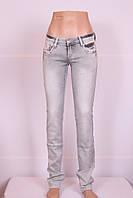 Женские светлые джинсы