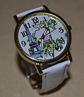 Женские часы на ремешке