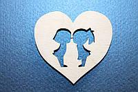 Деревянная фигурка Сердце - влюбленные дети55*52мм