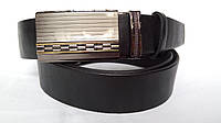 Кожаный ремень автомат 40 мм чёрный гладкий с матовой пряжкой с чернёными и золотыми вставками