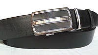 Кожаный ремень автомат 40 мм чёрный гладкий с серой лазерной пряжкой с серебряной окантовкой по краям
