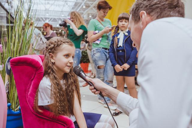 Очаровательные юные модели, принимавшие участие в показе модной детской одежды от торговой марки Elizabeth, тоже любезно согласились дать нам интервью.