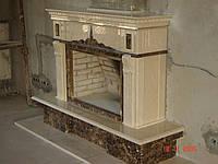 Камин мраморный Crema Marfil и Emperador Dark