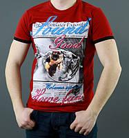 Ярко красная мужская футболка