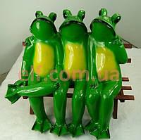 Лягушки на скамейке Трио