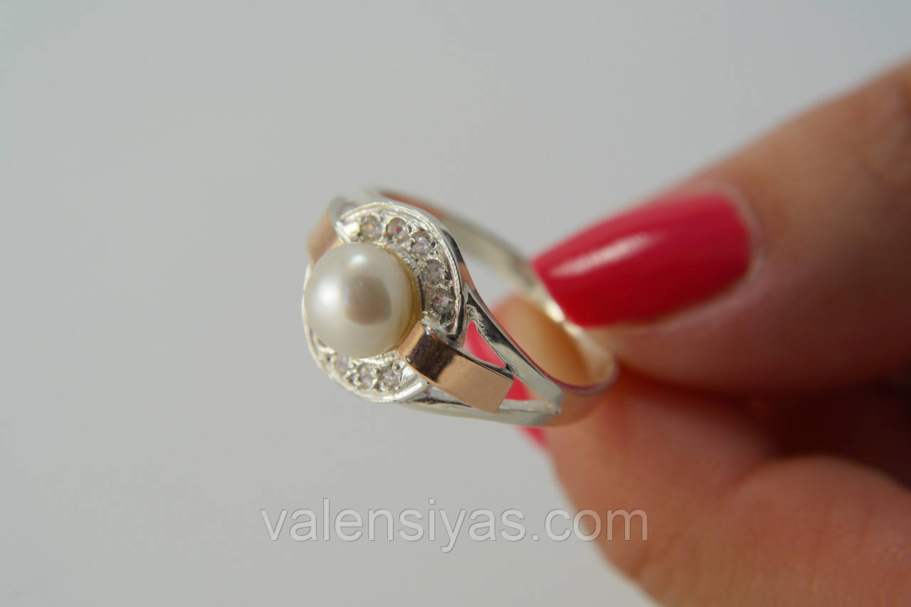 Красивое женское серебряное кольцо с культивированным жемчугом и золотом -  Valensiyas интернет-магазин в Броварах 0acb4d29c99
