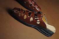 Шлепанцы  женские коричневого цвета