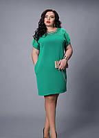 Платье светло-зеленое с вставкой из гипюра большой размер