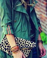 Сочетание цветов в одежде: с чем носить зеленую одежду