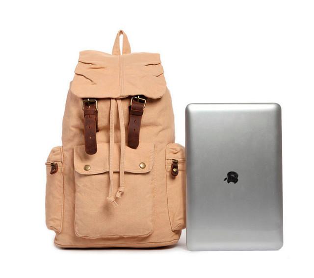 Городской рюкзак | бежевый рядом с iPad