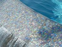 Укладка мозаики на бассейн