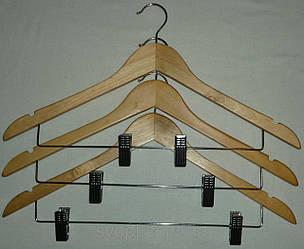 Вешалка деревянная, с железной прищепкой