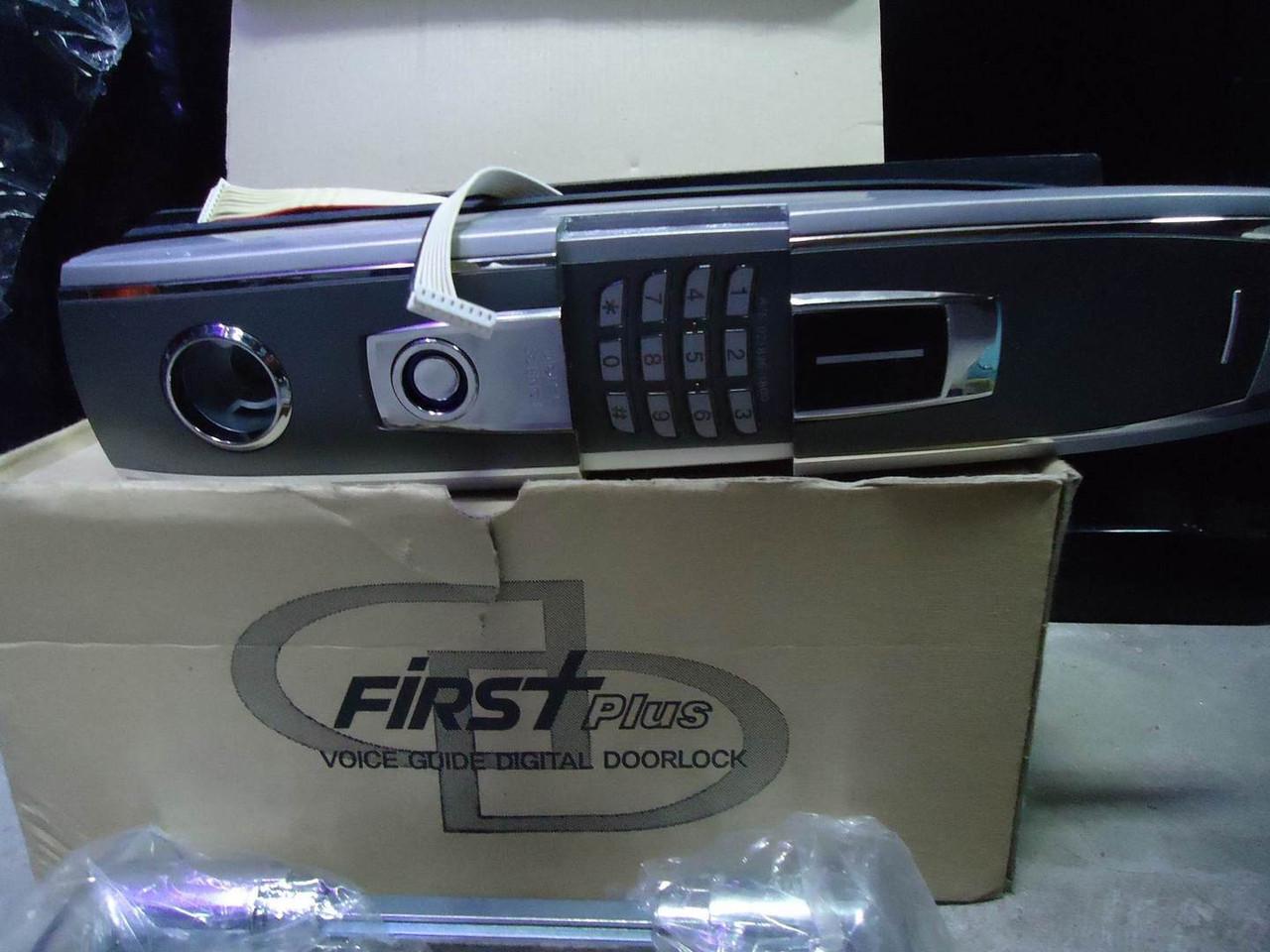 Електронний цифровий замок на вхідні двері First plus