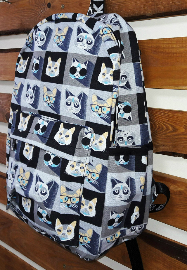 Стильный школьный рюкзак с котиками