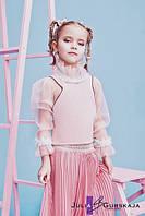 Детская блуза с геометрической проймой. Застежка на молнию сзади