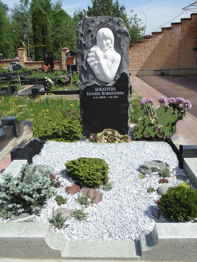Скульптура барельеф женщины из мрамора № 45