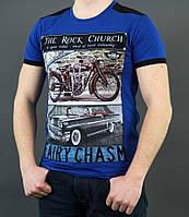 Ярко синяя мужская футболка