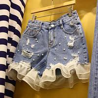 Джинсовые шорты с бусинами и рюшами