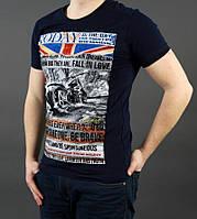 Очень красивая мужская футболка