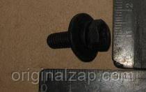 Болт крепления бампера (пр-во SsangYong) 982840620D