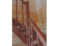 Лестница с забежными ступенями (ольха), фото 2