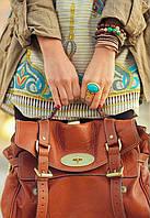 Сочетание цветов в одежде: коричневые оттенки.