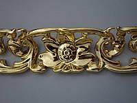 Золочение резных деревянных рам и элементов декора сусальным золотом.