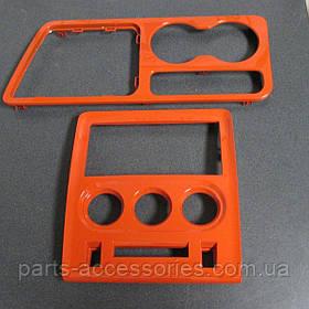Оранжевые накладки на консоль Dodge Chalenger 2008-14 новые оригинал