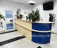 Стол ресепшн офисный администратора. Готовая офисная мебель и коммерческая мебель под заказ (R-40)