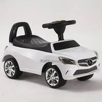 Каталка-толокар машинка Bambi Mercedes белая