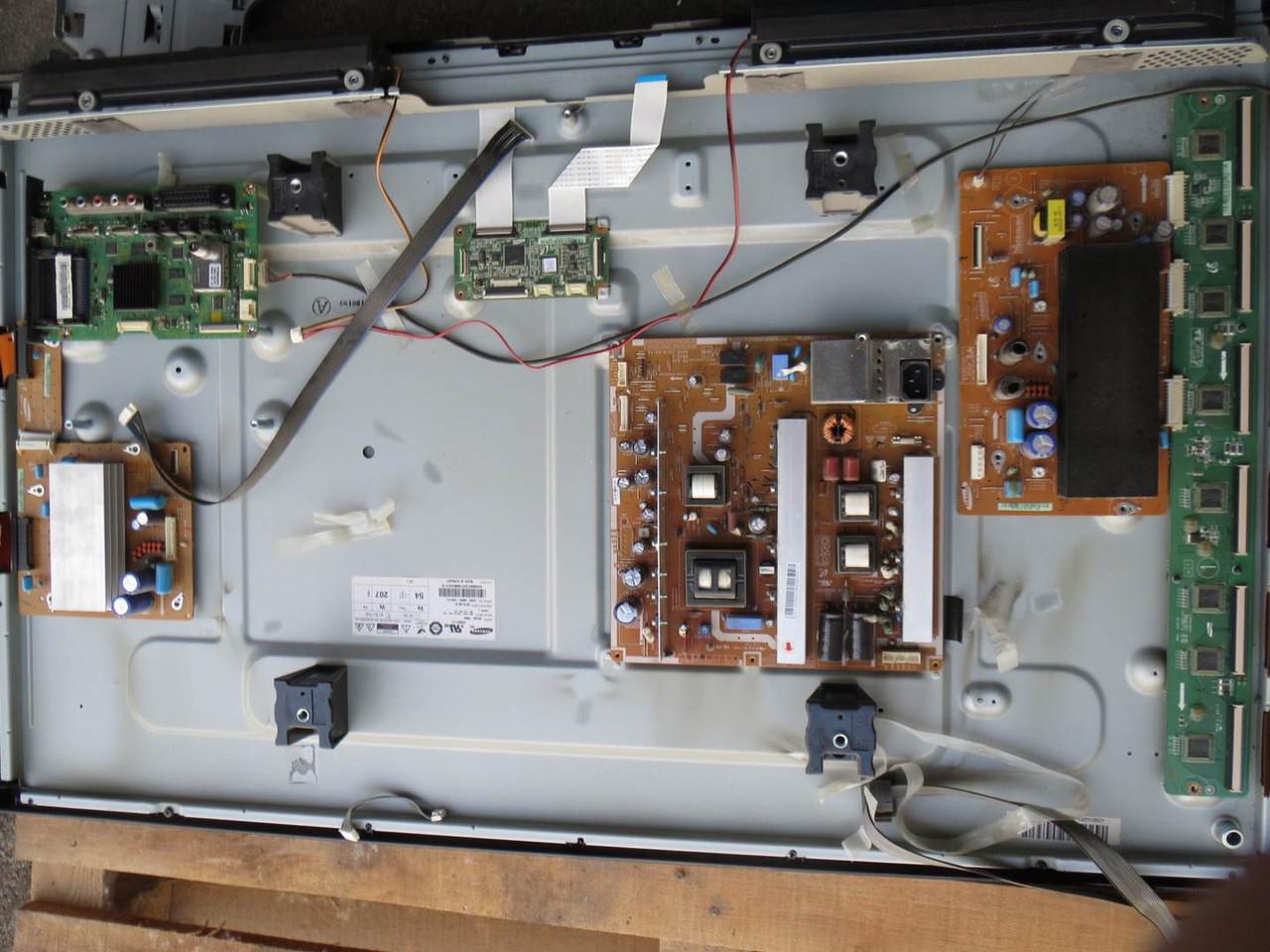 """Плазма 42"""" Samsung PS42C433 на запчасти (BN94-03354H, BN40-00173A, BN44-00329A, BN44-00330A)"""